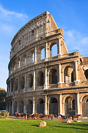 In the U.S., a historic building can be 200 years old. The Colosseum is almost 10 times older.     In the U.S., a historic building can be 200 years old. The Colosseum is almost 10 times older.