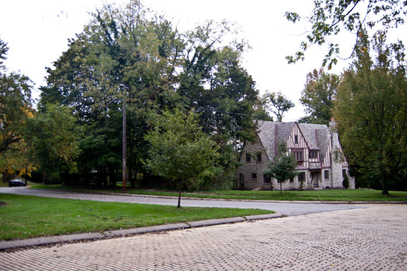 351 Jefferson Dr, Contributing Property to the nominated-historic district